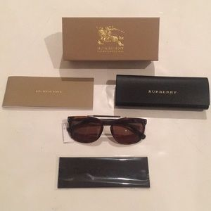 Burberry Matte Tortoise Polarized sunglasses &case